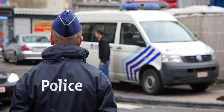 Trafic d'armes : cinq arrestations chez des garagistes - La DH