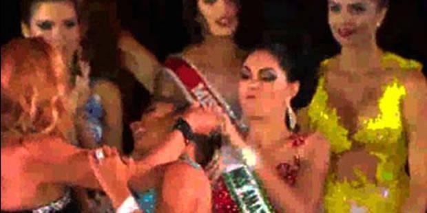 Elle échoue en finale d'un concours de Miss et pète les plombs sur scène - La DH