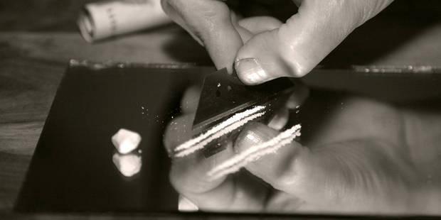 Trois pacsons de cocaïne dans un oeuf Kinder - La DH