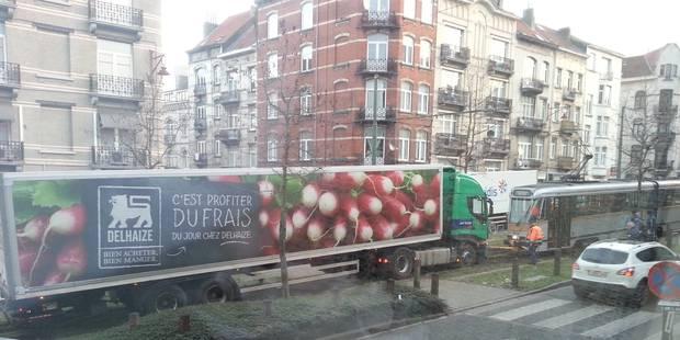 Présence d'un camion sur les rails du tram à Forest: la circulation rétablie - La DH