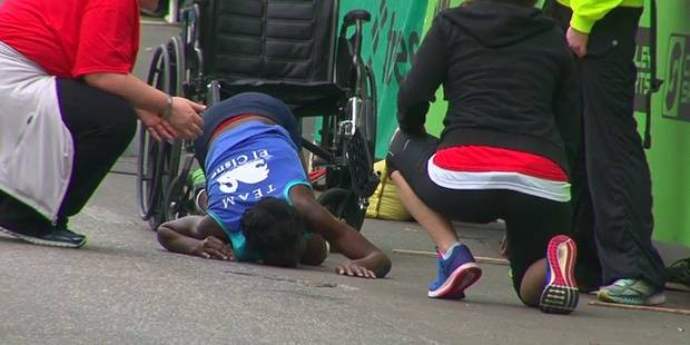 Elle termine son marathon à quatre pattes - La DH