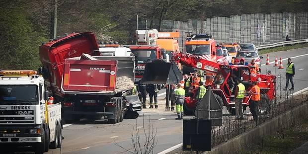 Camion renversé sur le Ring de Bruxelles: La circulation partiellement rétablie - La DH
