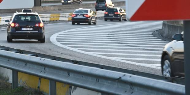 Un conducteur fantôme provoque un accident sur le R3 et repart dans le bon sens - La DH