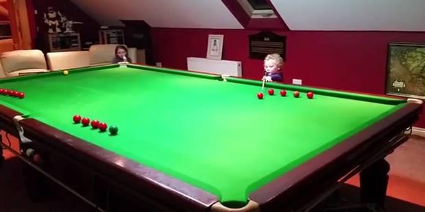 Un petit génie de 3 ans étale toute sa technique au snooker - La DH