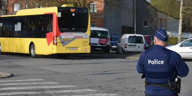 Orp-Jauche: une maman et ses trois enfants blessés après avoir percuté un bus TEC - La DH