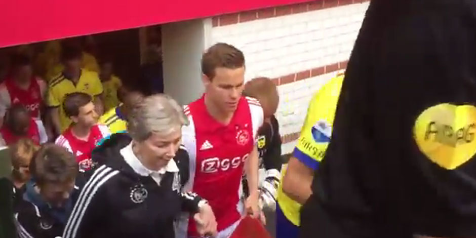 L'Ajax profite de la fête des mères pour faire le buzz