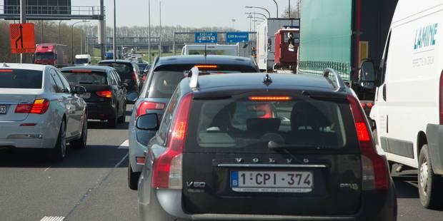 Accident sur l'E40 à Tronchiennes: la circulation a repris - La DH