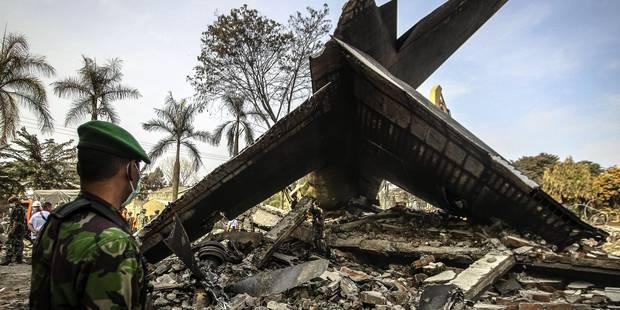 Indon�sie: une panne de moteur, cause probable du crash qui a fait 142 morts