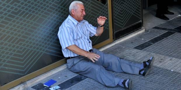 Le vieil homme grec en pleurs ne pleurera plus