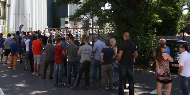 Europa league à Charleroi: trois heures de file pour un ticket ! - La DH