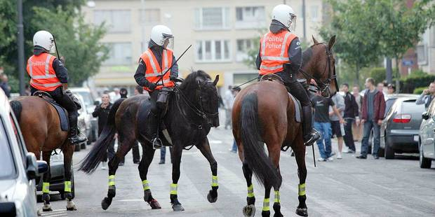 Les policiers à cheval menacés de disparition - La DH