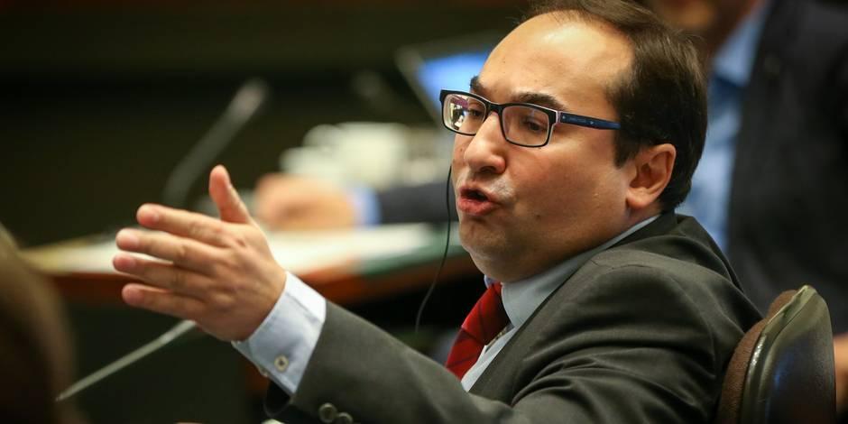 """""""Supercherie, rage taxatoire, inéquité fiscale"""": L'opposition allume le tax shift"""