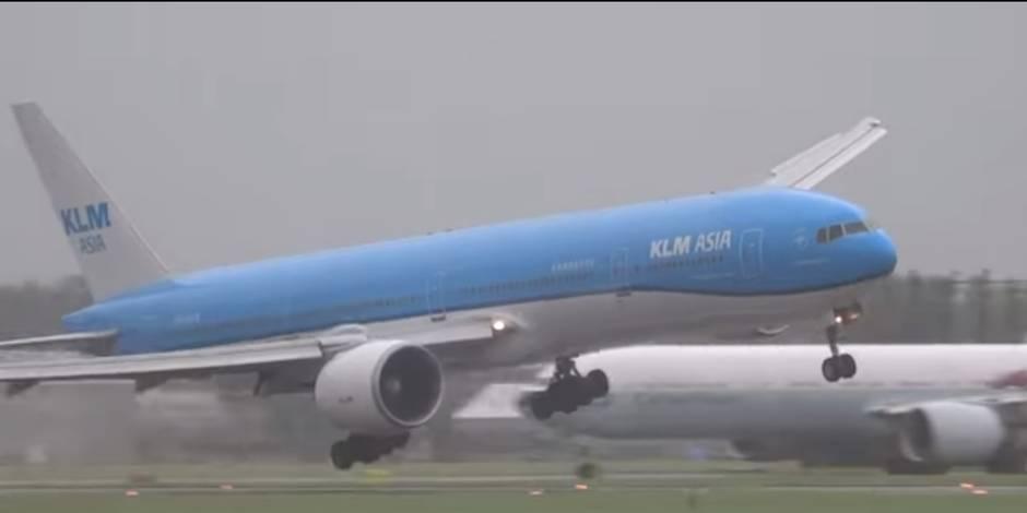 Les terrifiants atterrissages d'avions à Amsterdam