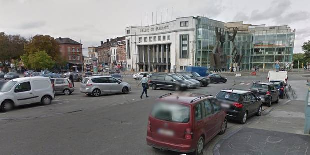 Charleroi: Bagarre générale sur la place du Manège