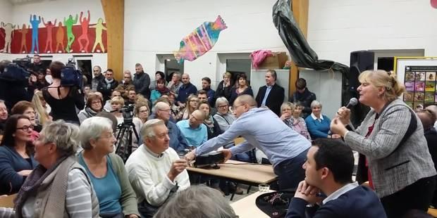 Walcourt: réunion houleuse sur les réfugiés (VIDEO) - La DH