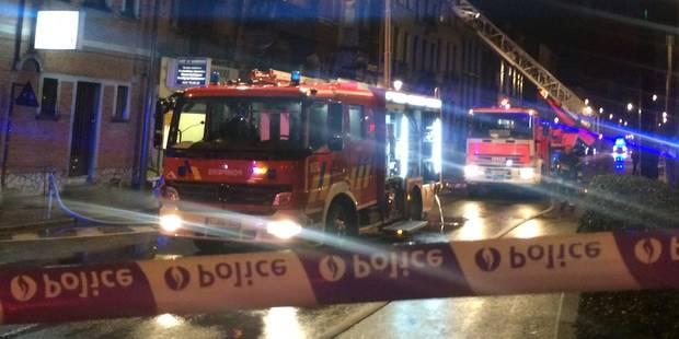 Un incendie éclate dans un immeuble à kots (PHOTOS) - La DH