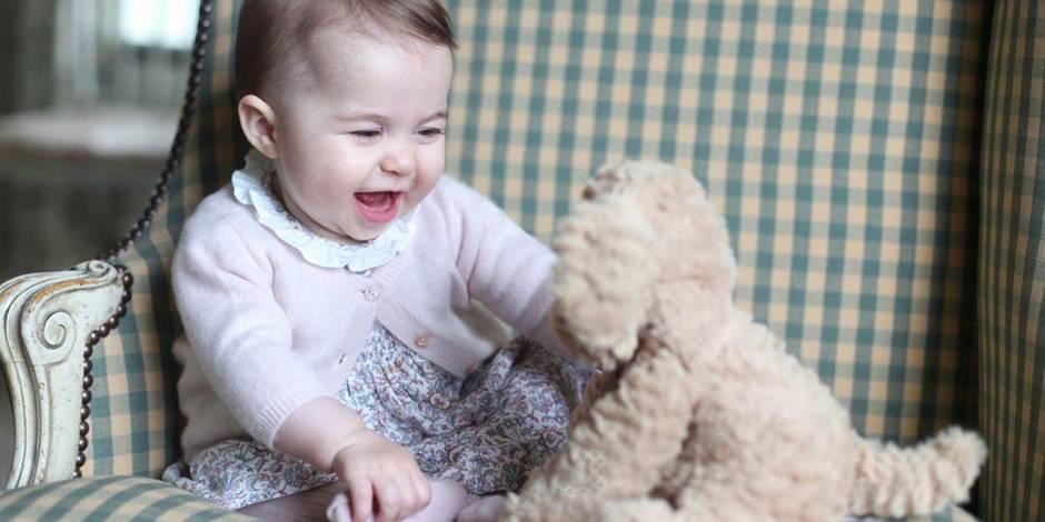 Grande Bretagne: engouement pour la robe de la princesse Charlotte, en rupture de stock