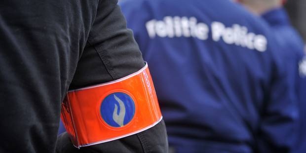 "Important contr�le policier ""relativement calme"" � la fronti�re franco-belge"
