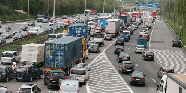 Gros embarras sur le ring de Bruxelles après un accident impliquant plusieurs véhicules