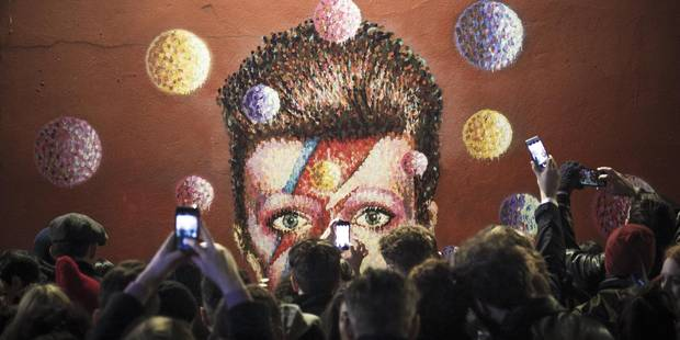 """David Bowie a """"voulu mettre en scène sa mort"""" - DH.be"""