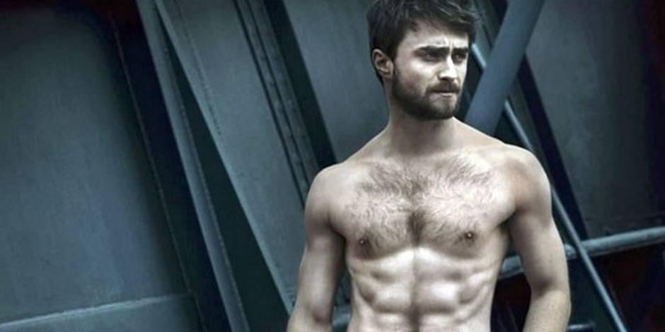 Daniel Radcliffe se met à nu pour la cover de Vanity Fair