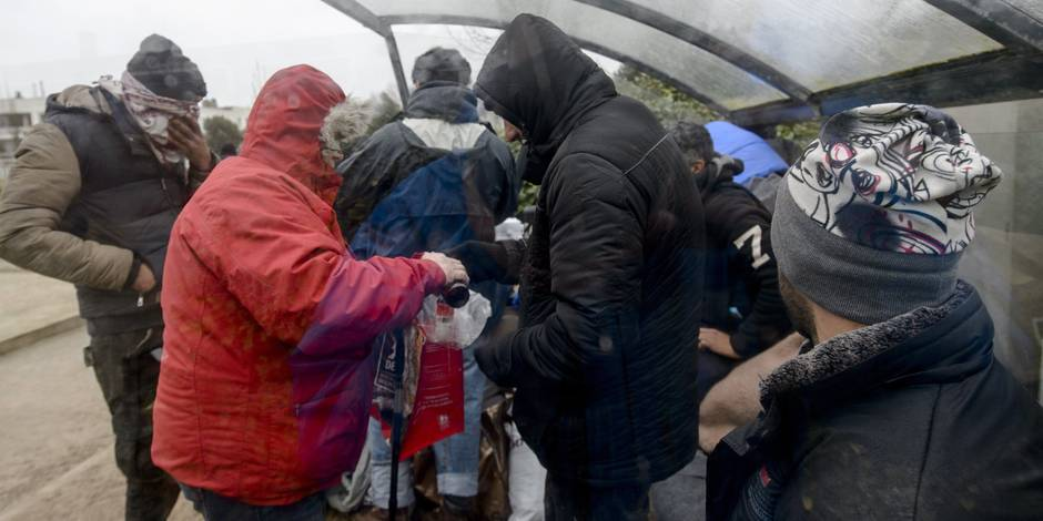 La police brugeoise abandonne l'encre au profit de bracelets pour marquer les migrants