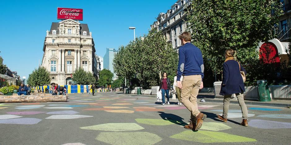 Bruxelles - Boulevard Anspach - Place de Brouckère: Le piétonnier souhaité par la ville de Bruxelles serait la cause de la chute de fréquentation des commerces jouxtant la place de Brouckère
