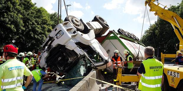 Chaque jour, on dénombre 8 accidents de camion - La DH