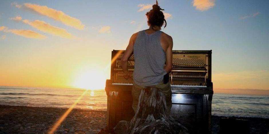 """Un, deux, trois... """"Piano Man"""" (Photos + vidéos)"""