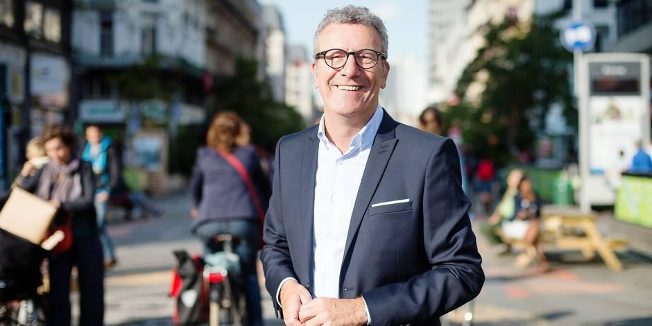 Bruxelles - Yvan Mayeur Bourgmestre de bruxelles se prete a une interview de rentree concernant le pietonnier bruxellois