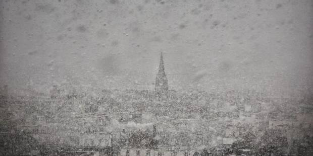 Une mini-tempête de neige frappe Paris (PHOTOS + VIDEOS) - La DH