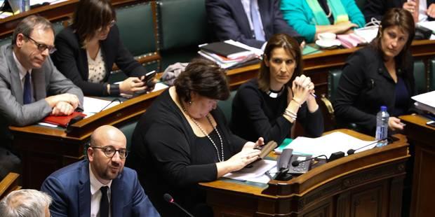 """Jacqueline Galant sous le feu des critiques à la Chambre ; Charles Michel demande """"la clarté"""" - La DH"""