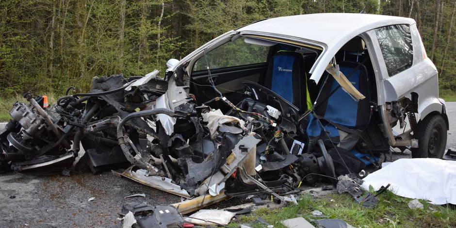 philippeville le conducteur d 39 une voiture sans permis meurt dans une collision frontale la dh. Black Bedroom Furniture Sets. Home Design Ideas