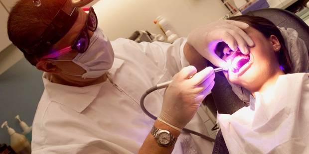 Les visites annuelles chez le dentiste permettraient des économies de 140 millions - La DH