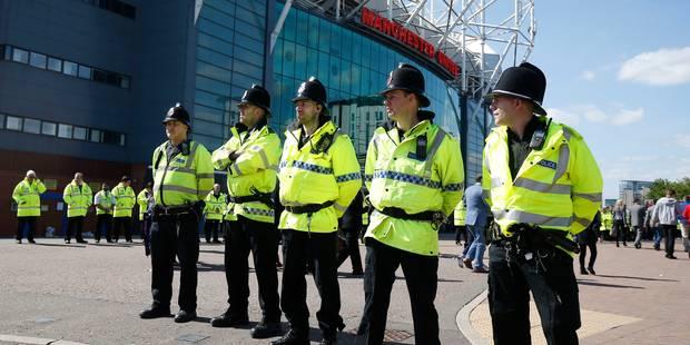 """L'objet suspect d'Old Trafford """"ressemblait à un engin explosif"""" mais """"ne pouvait fonctionner"""" (PHOTOS) - La DH"""