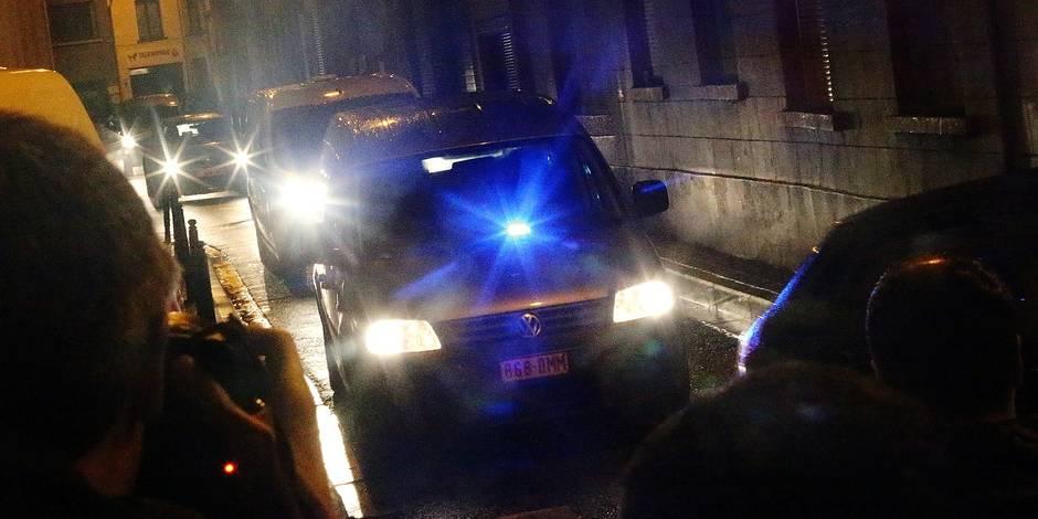Des perquisitions ont eu lieu ce mardi vers 18h45, rue de la Perle à Molenbeek-Saint-Jean, dans le cadre d'un dossier de détention d'armes, a indiqué mardi le parquet de Bruxelles. Une personne a été arrêtée.