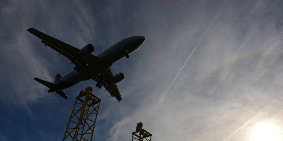 Nuisances des avions: les patrons de Bruxelles critiquent l'action en justice du gouvernement bruxellois