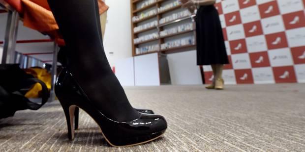 """Au Japon, on prend des cours pour marcher avec des talons et """"se faire respecter"""" - La DH"""
