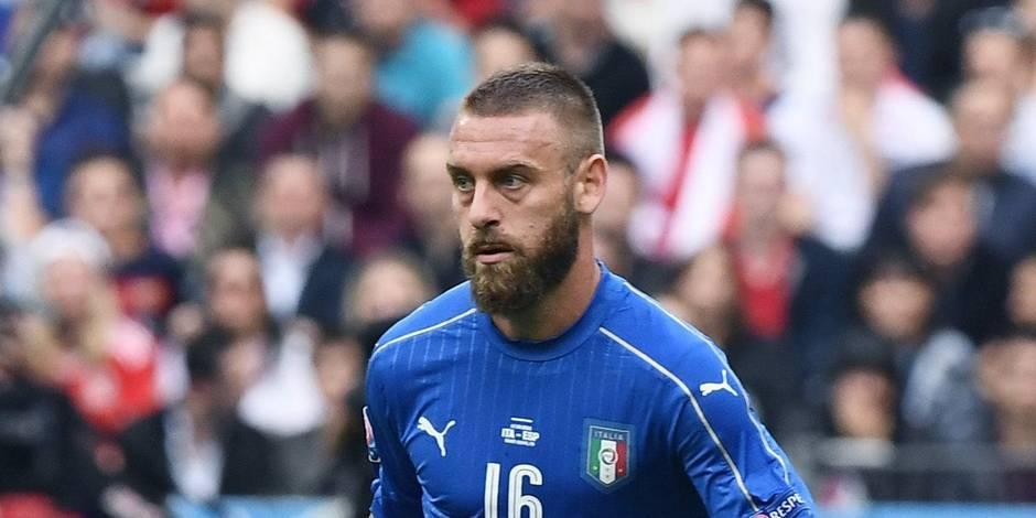 """Italie: """"coup à la hanche"""" pour De Rossi, incertain pour le quart contre l'Allemagne"""