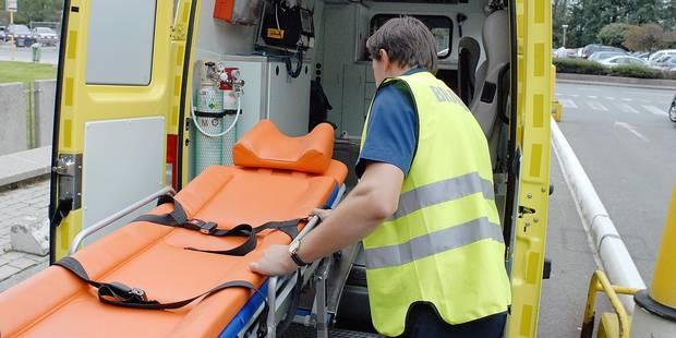 Charleroi: il frappe deux ambulanciers - La DH