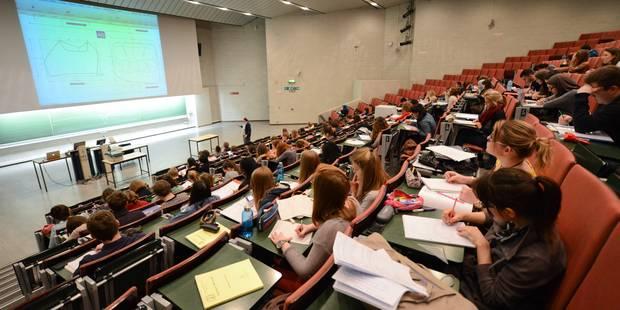 Les étudiants ne devront plus impérativement réussir pour conserver leur bourse - La DH