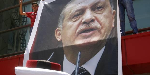 Turquie: Erdogan appelle les USA à extrader le prédicateur Gülen, des milliers de partisans sont dans la rue - La DH