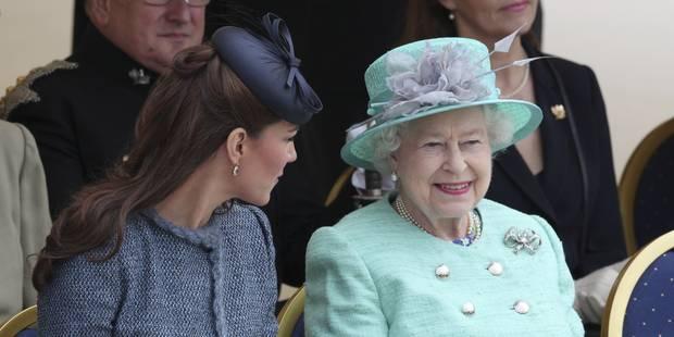 La garde-robe de la reine exposée au palais de Buckingham - La DH