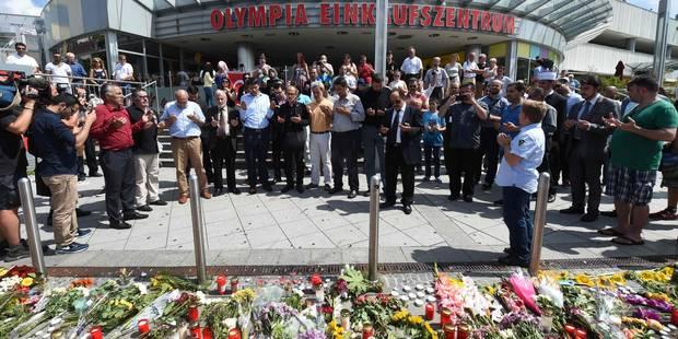 Fusillade à Munich: des centaines de Munichois ont rendu hommage aux victimes dimanche soir - La DH