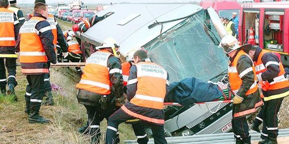 Le flic belge dormait au volant de l'autocar: 2 morts, 8 blessés - La DH