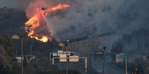 """Violents incendies dans le sud de la France: """"On a eu de la chance"""", témoigne une Belge (PHOTOS ET VIDEOS) - La DH"""