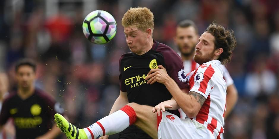 Premier League: City déloge ManU, Leicester et Arsenal se neutralisent