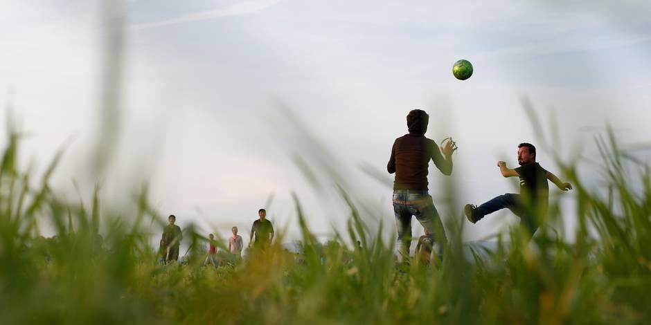 Suisse: un tournoi de football pour des migrants soutenu par l'UEFA