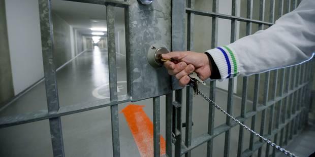 USA: enfermée par erreur avec 40 hommes, elle porte plainte contre la prison - La DH
