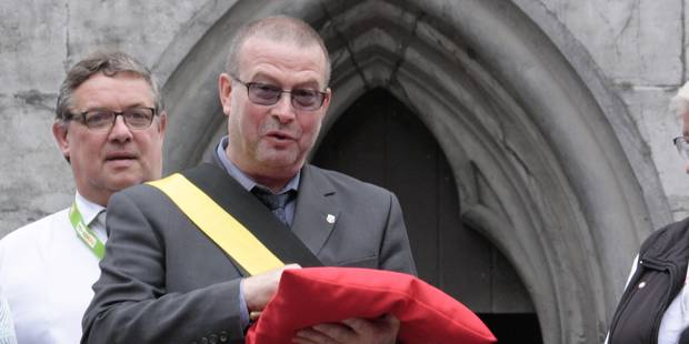 Un �chevin MR de Tournai ferme son commerce du centre et critique la Ville